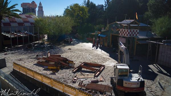 Disneyland Resort, Disneyland, Monorail, Disney California Adventure, Condor Flats, Grizzly, Peak, Airfield