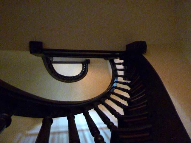 P1080721-2011-03-17-Central-Presbytrian-Church-Phoenix-Flies-Circular-Stair