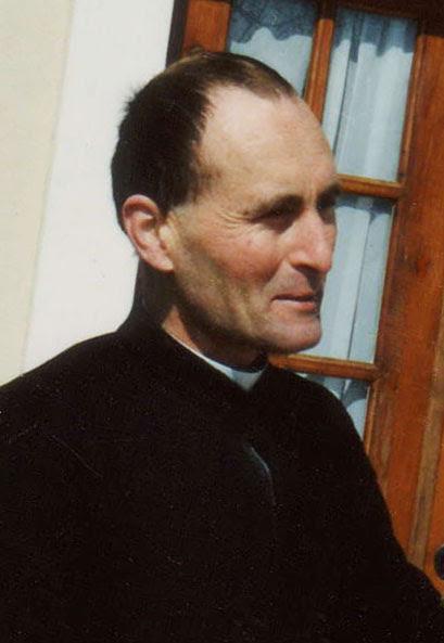 Abbé Yves Maury † 2011