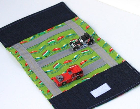 Kids Toy. Boy. Girl. Children. Travel Game. Take Along Billy Car Rollup and Play Mat in Green and White Trees and Roads