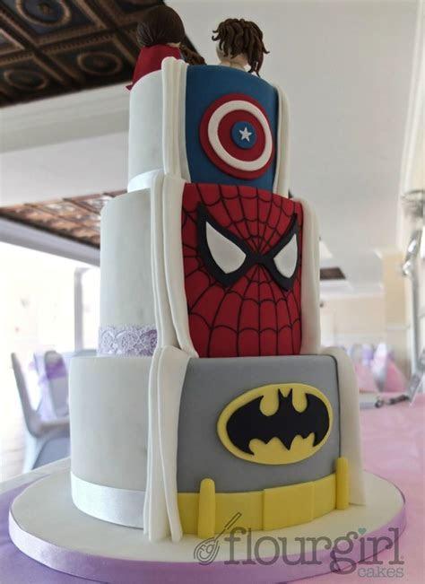 Best 25  Superhero wedding cake ideas on Pinterest   Geek