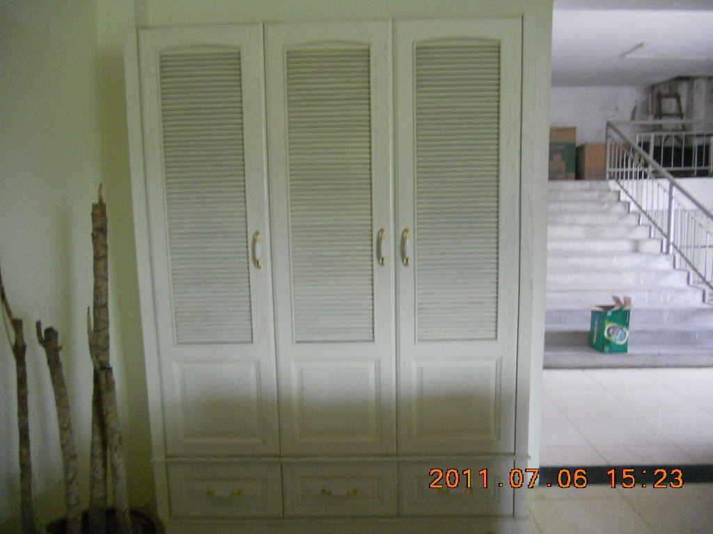 Solid Wood Wardrobe Cabinets