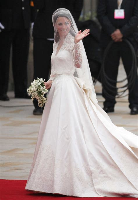 Royal Wedding: Kate Middleton's Dress   TIME