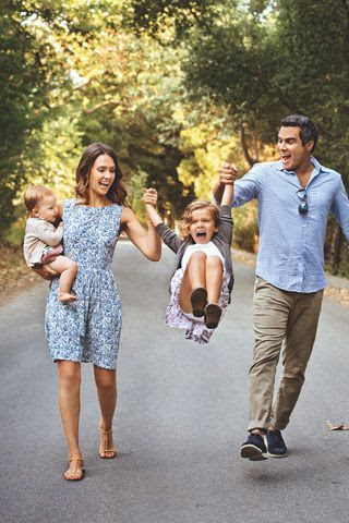 How adorable is this picture of Jessica Alba with her family?