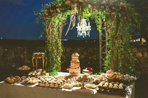 Ever Wonder What A Bohemian Carrie Bradshaw Wedding Might