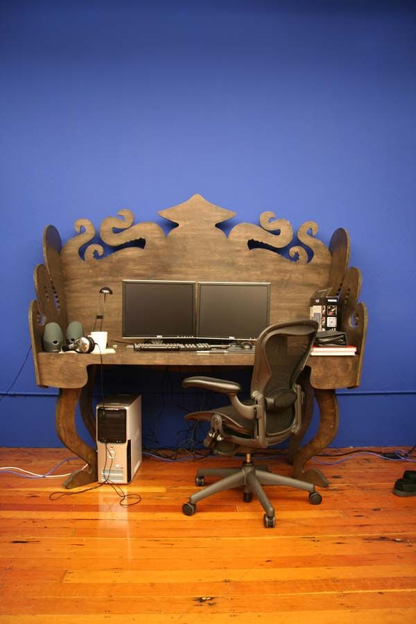 I don't think I'd like an octopus theme, but I do like the idea of this desk.  maybe painted with chalkboard paint instead?