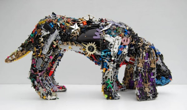 robert bradford recycled toys 2 600x353 Recycled Toys Sculpture by Robert Bradford