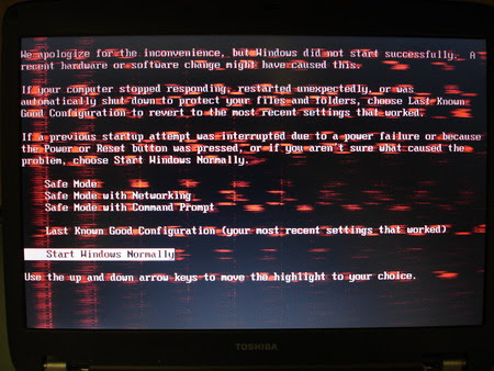 Bad reddish laptop screen