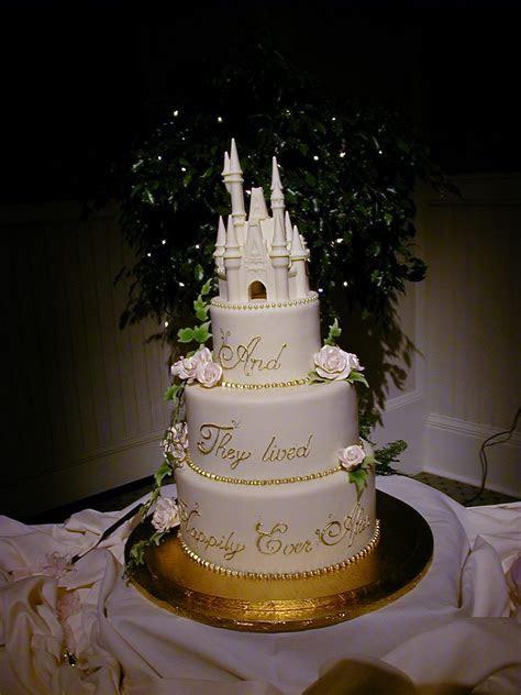 Disneyland Wedding Dreams: Disney Wedding Cake ideas