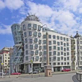 Frank Gehry. Casa Danzante, Praga