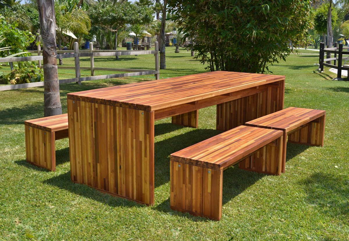 Wooden Outdoor furniture to enjoy the sun - CareHomeDecor