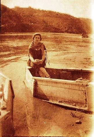 Barca de pasaje hacia 1920