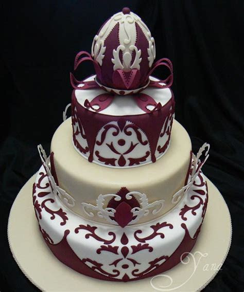 Elegant Ivory Wedding Cakes
