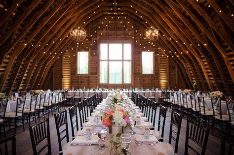 Northern Virginia Barn Wedding Venue   48 Fields Farm