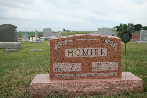 Tombstone of Roy and Ella Homire