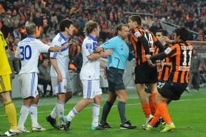 Матчи с участием Динамо и Шахтера регулярно заканчивались скандалами