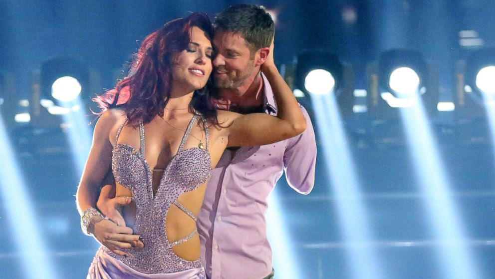 """PHOTO: Sharna Burgess and Noah Galloway perform on """"Dancing with the Stars."""""""