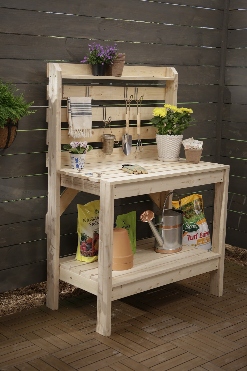 16 Potting Bench Plans To Make Gardening Work Easy   The ...