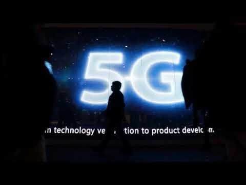 World 1st 5G Technology Smartphone Qualcomm Employee Show Off
