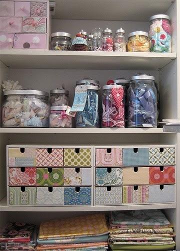Organizando o material de costura/artesanato