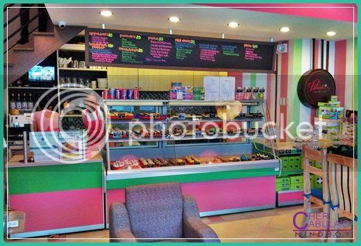 blushing-cupcakes-cafe