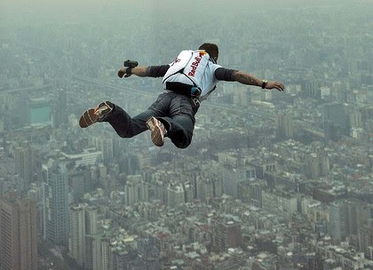 Felix Baumgartner jumps from the 509-metre Taipei 101 Tower in Taiwan in 2007.
