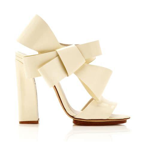 shoes   bride  wear   fall wedding
