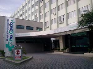 Hospital Frei Galvão, em Guaratinguetá, suspendeu a realização de exames de resonância magnética. (Foto: Jonatan Morel/TV Vanguarda)