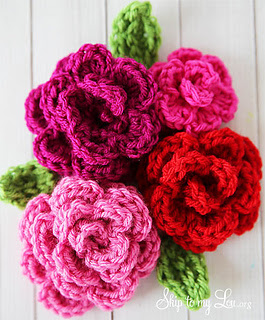 Free-crochet-rose-pattern_small2