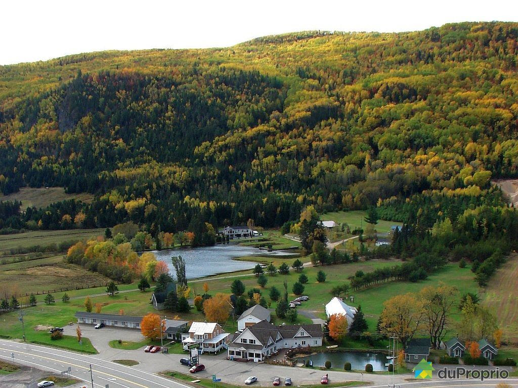 overall view hotel motel for sale baie st paul quebec province en large 2417675