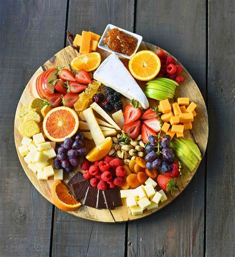 How to make the BEST Fruit and Cheese Board ? Modern Honey