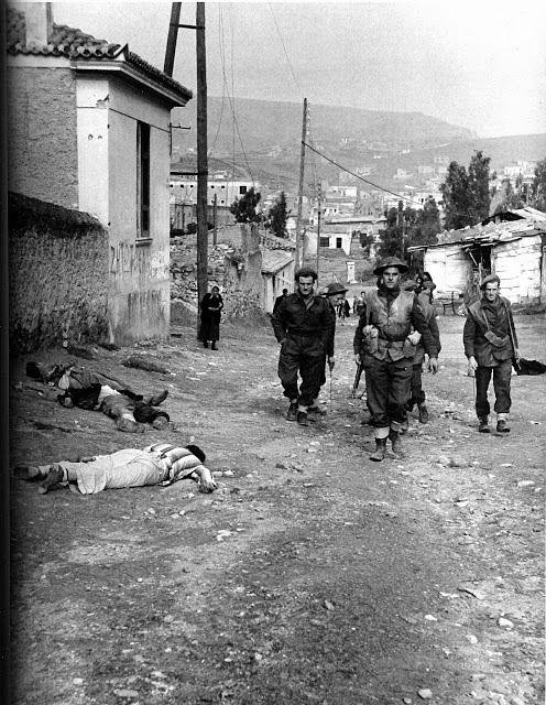 """Βρετανοί """"σύμμαχοι"""" δίπλα στα πτώματα Ελλήνων πατριωτών..."""