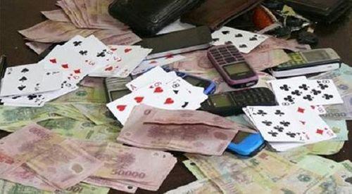 Bí thư, chủ tịch xã bị khởi tố vì đánh bạc tại trụ sở - Ảnh 1