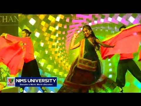 Rajasthani Dance on Holiya Me Ude Re Gulal in Freshers Party