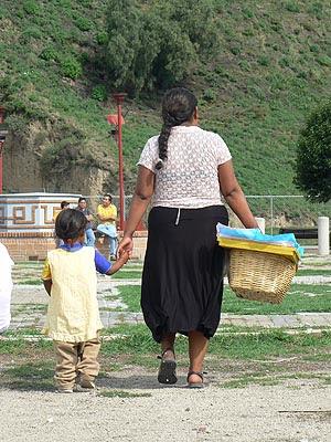 indienne et bébé.jpg