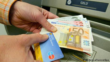 DW: Πλουσιότερα από ποτέ τα γερμανικά νοικοκυριά