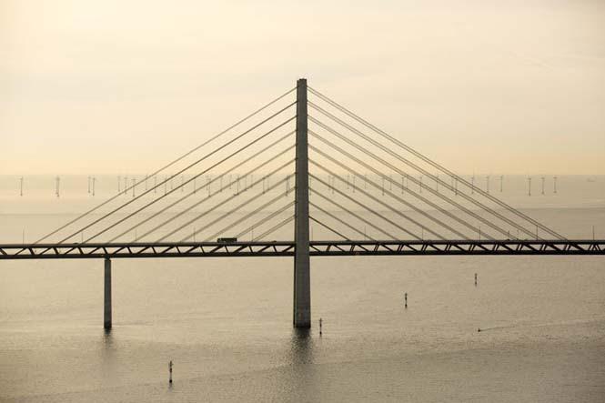 Αυτή η καταπληκτική γέφυρα μετατρέπεται σε τούνελ και συνδέει την Δανία με την Σουηδία (10)