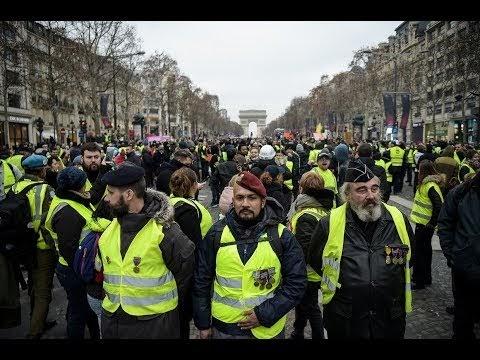 Αποτέλεσμα εικόνας για Τρέμει ο πισωγλέντης! Yellow Vests protesters hit the streets of Paris 27th weekend in a row