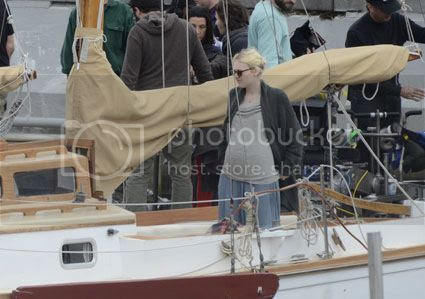 photo dakota-fanning-pregnant-1_zpsf1eced2a.jpg