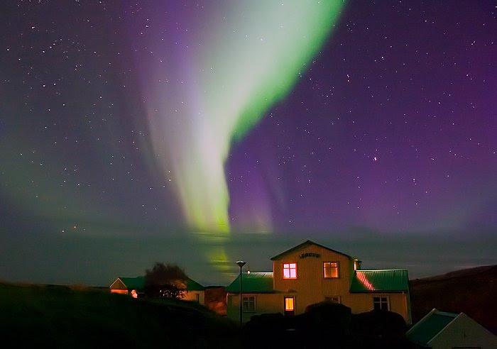 http://www.spaceweather.com/aurora/images2006/01oct06/Gudmundsson2.jpg