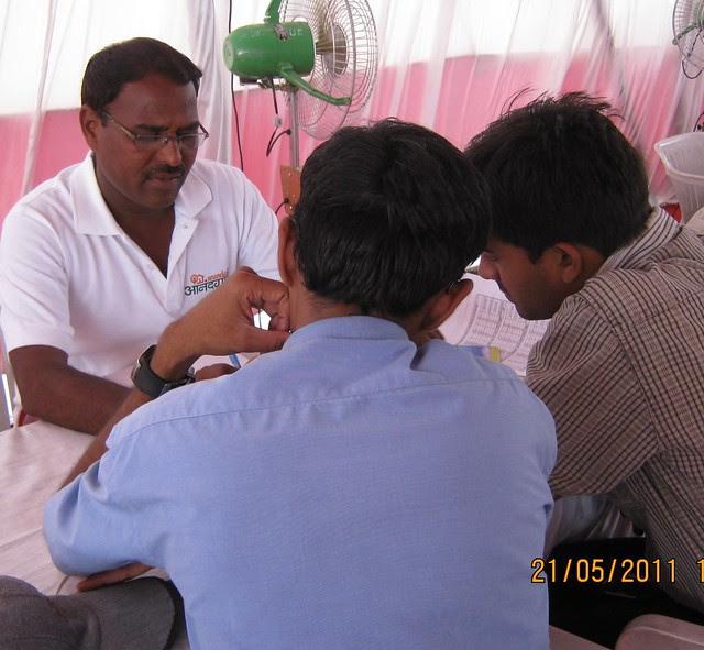 Anandgram Talegaon Dhamdhere receives huge response! Property buyers with Mr. Lagad, Chief Engineer of Urbangram