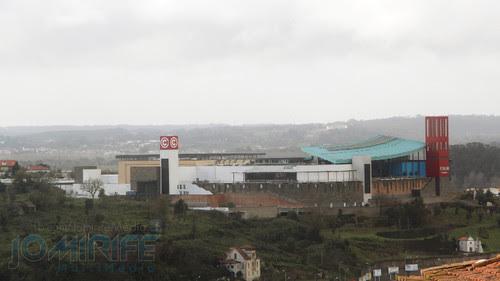 Centro Comercial Forum Coimbra visto de longe. Forum Coimbra Mall seen from afar