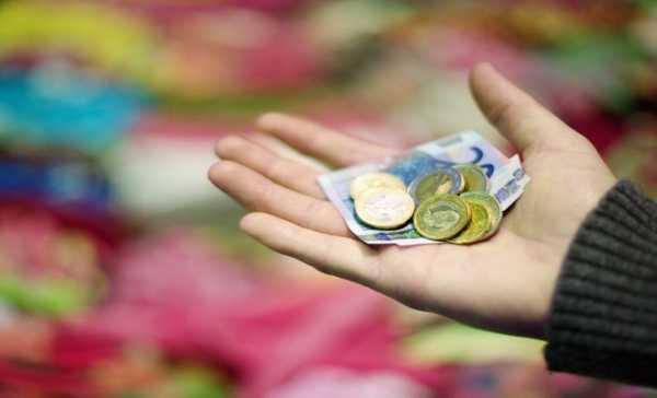 Καταργούν τα προνοιακά επιδόματα για να εφαρμόσουν το ελάχιστο εγγυημένο εισόδημα