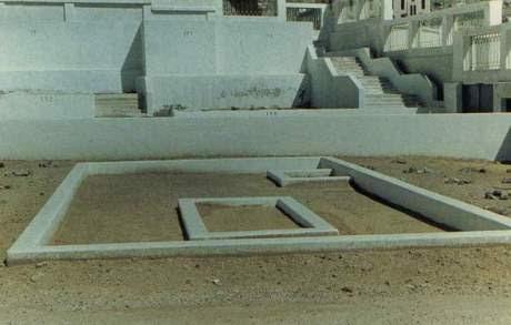 kuburan-sayyidah-khadijah-al-kubra-putranya-qasim-di-pojok_o.jpg