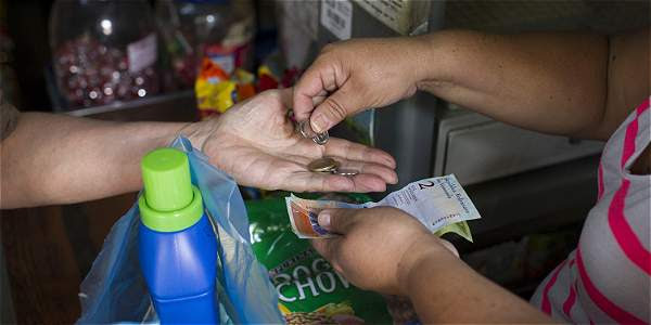 Inflación en Venezuela supera el 60 %; Banco Central culpa a protestas