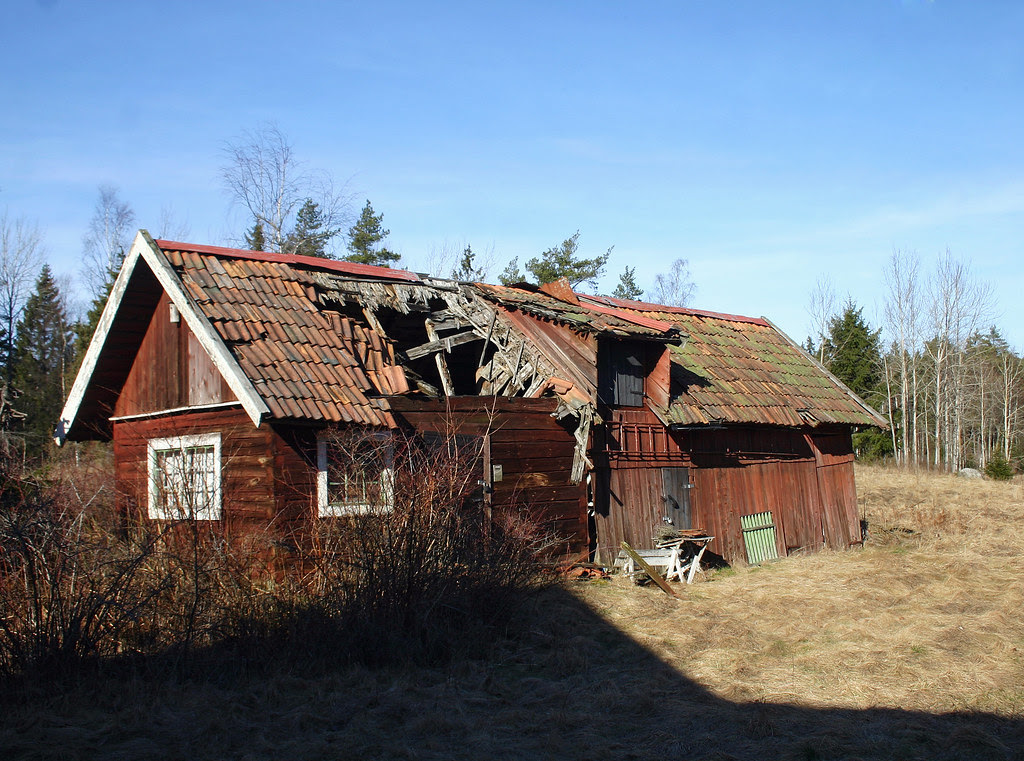 Old, decaying barn