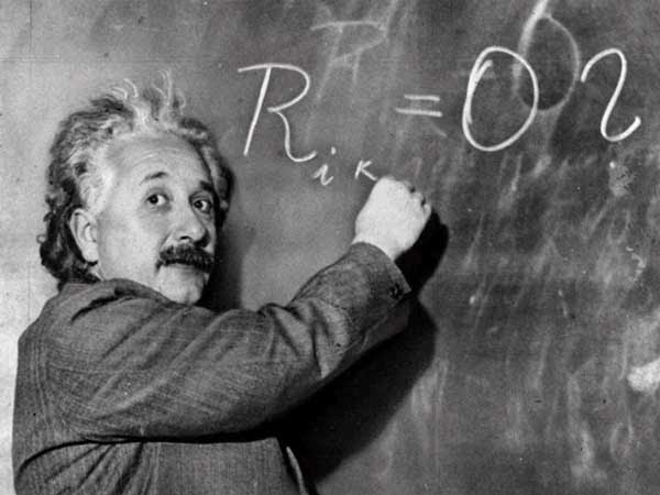 Albert Einstein plus vite que la lumière