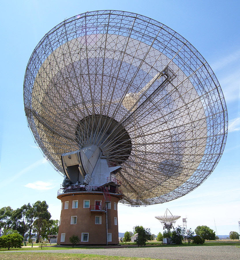 Parkes Radio Telescope. (Credit: Stephen West/Wikimedia Commons)