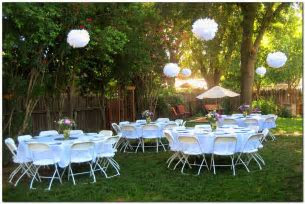 simple and lovely graduation party decoration idea