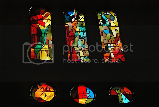 Art With Exclamation Marks: Stained Glass at Sagrada Familia [enlarge]